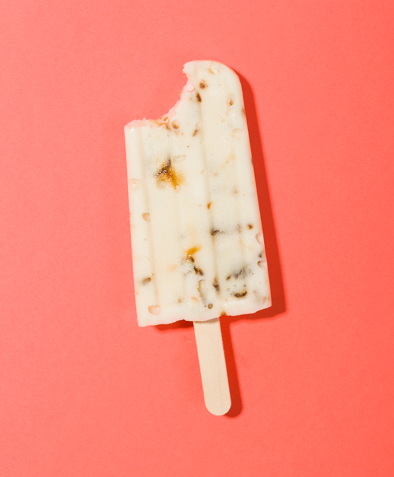 Burnt Marshmallow Pudding Pops // Wit & Vinegar